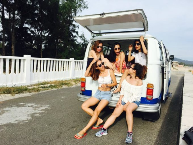 road trip car girls